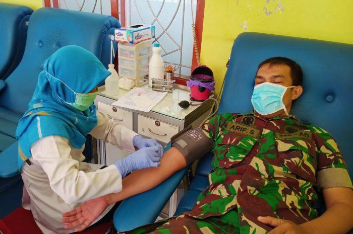 Ditengah Merebaknya Virus Corona, Prajurit Kodim 0804/Magetan Datangi PMI Sumbangkan Darahnya