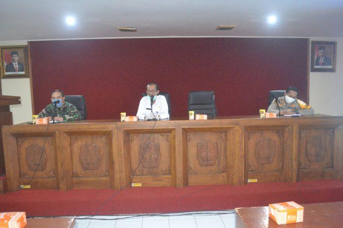 Hadiri Rapat Evaluasi Penanganan Covid-19, Dandim 0804/Magetan Ajak Masyarakat Berperilaku Sehat dan Disiplin